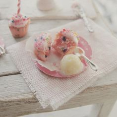 Party cupcake and ice cream 1:12 by Kim Saulter