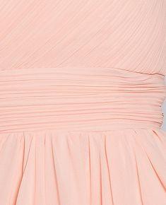 FABIA - Zwiewna midi sukienka na jedno ramie różowa Talia, Tapestry, Model, Home Decor, Tapestries, Interior Design, Home Interiors, Needlepoint