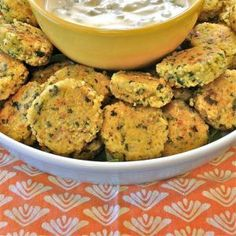 Quinoa Bites - easy Vegetarian appetizer - super healthy and easy to do Gluten Free - very high yummy factor. Gluten Free Appetizers, Vegetarian Appetizers, Vegetarian Recipes, Healthy Recipes, Free Recipes, Holiday Appetizers, Yummy Appetizers, Appetizer Recipes, Healthy Food List