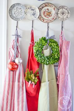 10 Things to do for Christmas NOW! Get a head start so you can be ready and enjoy Christmas this year! Lots of ideas! Christmas Tress, Christmas Bows, All Things Christmas, Christmas Holidays, Christmas Gifts, Christmas Decorations, Christmas Aprons, Merry Christmas, Christmas 2017