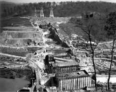 Norris Dam in the River. Dam Construction, Tennessee Valley Authority, Teaching American History, Appalachian Mountains, Great Smoky Mountains, Vintage Photography, Old Photos, Paris Skyline, Camps