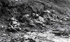 Living and dead soldiers in the mud at #Passchendaele. How these boys did it, I will never comprehend ... #ww1