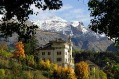 In hart van het dal van Ubaye vindt u le Château des Magnans. Het kasteel is een zeer geschikt uitgangspunt voor zowel zomer- als wintersporten. De appartementen zijn ideaal gelegen voor de liefhebbers van wandelen, fietsen en mountainbiken en het ligt op 20 min. van de wintersportplaatsen Pra Loup en Super Sauze.