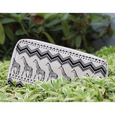 @billabongwomens accessories, how cute is this wallet?!
