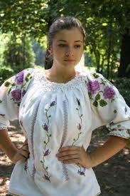 Imagini pentru cusaturi romanesti flori