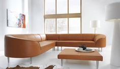 """Prosta forma ozdobiona krągłościami boków i oparcia. Lekkości dodają nóżki, które sprawiają wrażenie, iż mebel """"unosi się w powietrzu"""". #naroznik #ArisConcept #salon #livingroom Corner Sofa, Sofa Furniture, Sofas, Couch, Home Decor, Interiors, Interior Home Decoration, Home, Couch Furniture"""