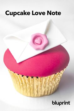 Send a Love Note to Your Valentine With This Clever Cupcake! If you want to surprise your Valentine with something sweet, we're pretty certain anyone would fall for this fondant love letter. Valentine Day Cupcakes, Valentines Day, Love Notes, Something Sweet, Baking Ideas, Love Letters, Fondant, Clever, February