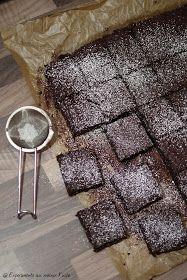 Bulgarian Recipes, Bulgarian Food, Sweet Bakery, Brownie Bar, Dessert Recipes, Desserts, Brownies, Cocoa, Candy Buffet