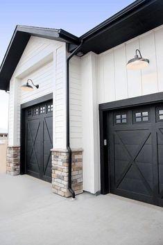 Modern Garage Doors, Garage Door Design, Black Garage Doors, Black Doors, Painted Garage Doors, Front Doors, Garage Door Styles, Black Windows, Wooden Doors