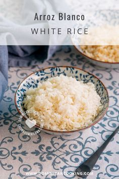 This Arroz Blanco recipe (White Rice) is the base of Dominican lunch menus, one of the components of La Bandera Dominicana. The perfect Arroz Blanco is proof of expertise for any Dominican cook. #rice #arroz #arrozblanco #whiterice #dominicanrecipe #dominicancooking #simplebyclara @SimpleByClara | dominicancooking.com Best Vegetarian Recipes, Delicious Dinner Recipes, Vegetarian Cooking, Fun Cooking, Delicious Food, Herb Recipes, Side Recipes, Drink Recipes, Mexican Side Dishes