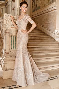 Wedding Dress Photos - Find the perfect wedding dress pictures and wedding gown photos at WeddingWire. Browse through thousands of photos of wedding dresses. 2015 Wedding Dresses, Wedding Dress Styles, Bridal Dresses, Wedding Gowns, Prom Dresses, Gold Wedding, Mode Glamour, Vintage Lace Weddings, Mother Of Groom Dresses