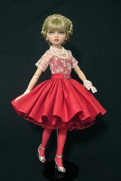 Ellowyne, OOAK Valentine's Gown by WS, by jkinmcd via eBay, SOLD 1/18/14  $54.00 **