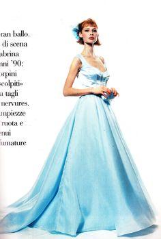 "https://flic.kr/p/wFuW5L | Vogue ""Garden Party"" Marzo 1995 | Gown: Luisa Beccaria"