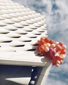 Dreams do come true 😍 The Broad with balloons 🎈 by
