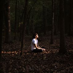 His self portrait photography is stunning. Forest Photography, Photography Poses For Men, Creative Photography, Portrait Photography, Inspiring Photography, Photography Tutorials, Beauty Photography, Digital Photography, Shooting Photo