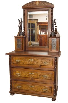 Antique chest of drawers dressing