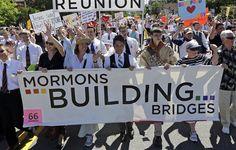 Boy Scouts defy orders, wear uniforms in Utah gay pride parade (Photo: Rick Bowmer / AP)