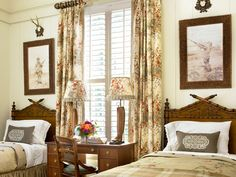 twins with desk Melanie-Davis-Designs-Woodruff-House-