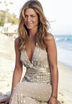 The Golden Age of Motion Pictures — midnightcelebs: Jennifer Anniston Jennifer Aniston Haar, Estilo Jennifer Aniston, Jeniffer Aniston, Jennifer Aniston Pictures, Jennifer Aniston Hair Friends, Jennifer Aniston Makeup, Jennifer Aniston Tattoo, Jennifer Aniston Hairstyles, Jennifer Aniston Wedding Dress