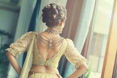 KB Saree Jacket Designs, Saree Blouse Patterns, Blouse Designs, Wedding Sari, Red Wedding, Wedding Ideas Sri Lanka, Saree Collection, Bridal Collection, Day Dresses