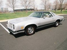 Do you want an american sports car from the 70s, which won't be that much known to fans of other similar cars? Then what about this 1976 Chevrolet Chevelle Laguna, with 305 cu.i. engine and less than 80,000 miles?