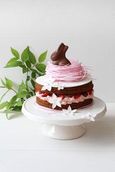Erdbeer Rhabarber Vanille Törtchen › Schön und fein / Easter Cake