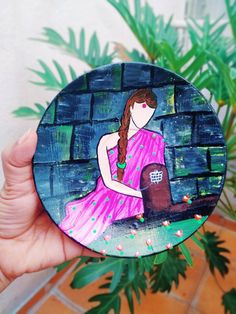 Hang Plates On Wall, Plate Wall Decor, Diy Crafts For Home Decor, Handmade Home Decor, Hand Painted Walls, Indian Art Paintings, Krishna Images, Plate Design, Hand Designs