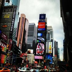 Be the calm in the center of the noise. Be the eye at the heart of the storm.  (at Times Square)