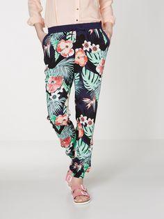 So fashionable comfy <3 Flodderbroekjes verkrijgbaar bij Munt vanaf 19.95 € www.munt-webshop.be Merk: Vero moda