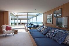 Apartamento Dois Irmãos / Bernardes Arquitetura #sitting #furniture #marcenaria