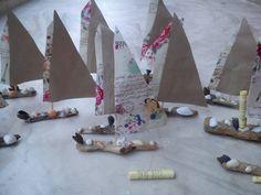 Αναμνηστικά δωράκια ... ξύλινα καραβάκια για το τέλος της χρονιάς ! Με αποχαιρετιστήριο μήνυμα πίσω από τα πανιά...