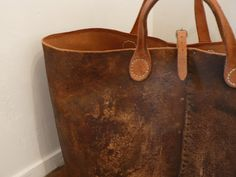 leather tote-  http://gasa.co.