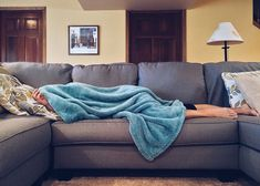 How dangerous is snoring? Is snoring the sign of a major health problem? How can you treat snoring? Find out how I cured my snoring. Snoring Remedies, Home Remedies, Flu Remedies, Homeopathic Remedies, Lifehacks, How To Stop Snoring, Sleep Apnea, Can't Sleep, Sleep Well