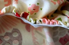 DIY crib sheet tutorial that actually sounds doable via prudent baby Baby Crib Diy, Best Baby Cribs, Baby Crib Sheets, Crib Sheet Tutorial, Crib Sheet Pattern, Diy Tutorial, Sewing Crafts, Sewing Projects, Sewing Tips
