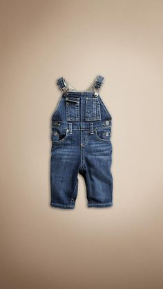 oh my goodness... burberry, i love you. whether i have a boy or girl, they're wearing overalls all the time