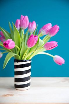 Discover the best anti-allergy flowers for decorating your home this spring, from the experts at Domino