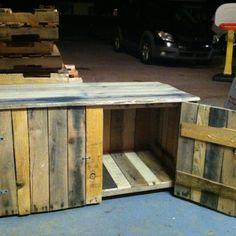 Pallet deck storage bench