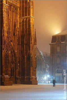 La cathédrale de Strasbourg enneigée