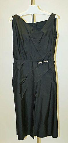 1966 Mainbocher Cocktail dress Metropolitan Museum of Art, NY. See more vintage dresses at www.vintagefashionandart.com/dresses