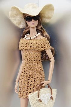~ GEMINI ~ doll fashion presents: Handmade boho set for Fashion Royalty, Nu Face, Poppy Parker and other dolls with similiar body size. Listing includes: - crocheted dress - crocheted hat - crocheted bag - necklace Doll, shoes and other props are NOT INCLUDED! For adult collectors