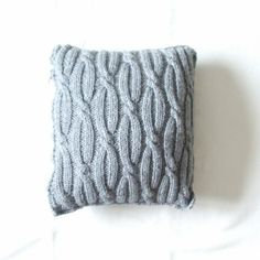 knit pillows | cable knit pillow | Cushions, knitted and crocheted
