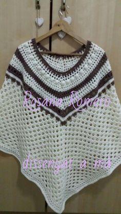 2. Poncho blanco y marrón