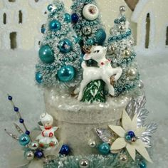 Vintage Bottle Brush Christmas Box Idea, oh my...I love this! Very cute.