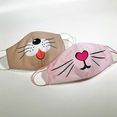 Easy Face Masks, Face Masks For Kids, Funny Face Mask, Diy Face Mask, Mouth Mask Fashion, Fashion Mask, Fabric Crafts, Sewing Crafts, Decoration Creche