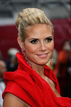 2015 Celebrity Makeup & Hairstyle Ideas for Red Dresses: Heidi Klum Makeup Looks For Red Dress, Red Dress Makeup, Hair Makeup, Makeup Hairstyle, Hairstyle Ideas, Dress Red, Heidi Klum, Oscar Hairstyles, Red Carpet Hair