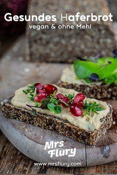Glutenfreies Haferbrot - Gesundes Brot ohne Mehl Mrs Flury Rezept Gluten Free Recipes, Vegan Recipes, Vegan Food, Bread Bun, Fresh Bread, Sin Gluten, Vegan Life, Bread Baking, Healthy Cooking