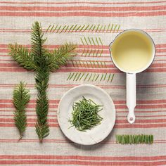 Don't throw away your Christmas tree clippings. Spruce needles are an invigorating natural remedy, great for clearing the head. If you feel a cold coming on or are simply exhausted, have a bath with this spruce tree essence and let the scent of a Christmas forest work its magic!