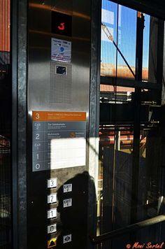 glaeserner Aufzug