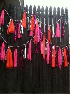 DIY Confetti System Style Garland by Amalinny Confetti System, Diy Tassel Garland, Tassles Diy, Tassels, Fabric Garland, Diy Crayons, Diy Confetti, Balloon Banner, Party Decoration