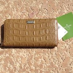 I just discovered this while shopping on Poshmark: Kate spade Light brown…